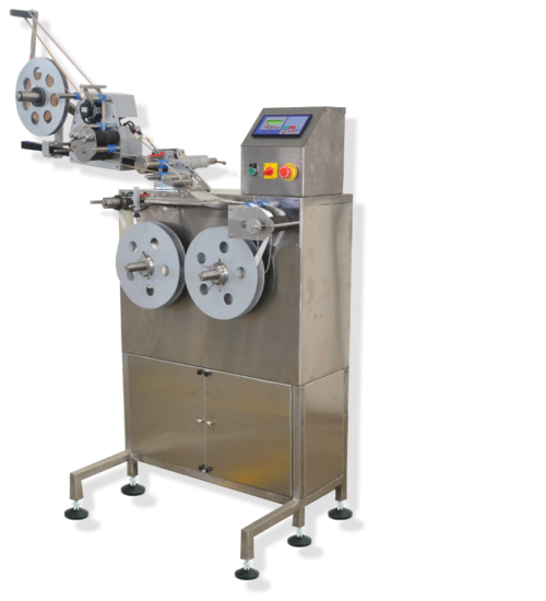 COUNTER REWINDER WITH LABEL APPLICATOR